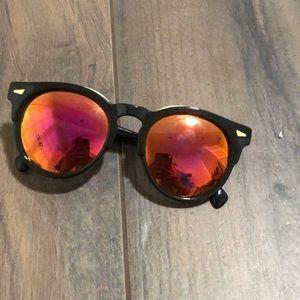 big round sunglasses